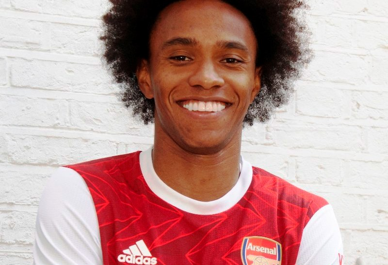 Arsenal confirm signing Willian from Chelsea
