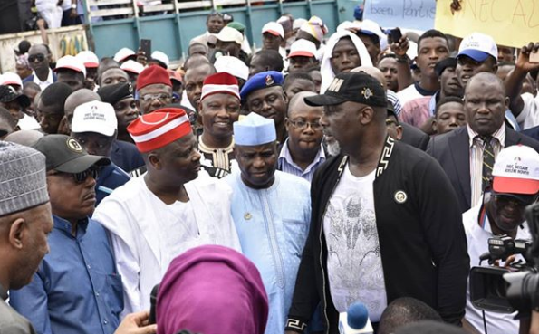 Saraki, Melaye and other PDP chieftains during the protest