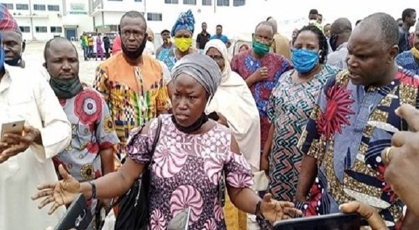 Protesting parents in Ogun state